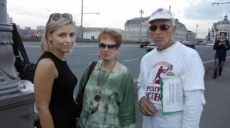 Слева направо: Злата, гость, Алена, Борис Федорович, волонтер