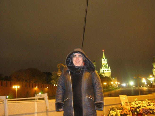 Немцов мост. После ночи. Михаил Михайлович Силыч уже ушёл. Фотографировал Каринэ Сергей Нетребский