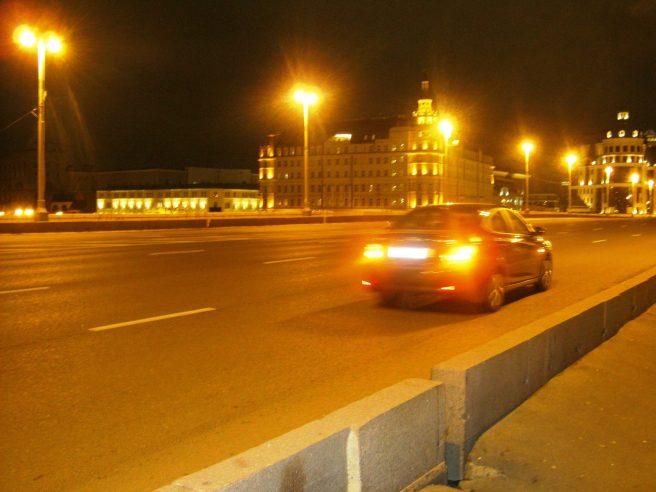 18.10.2016. Немцов мост. Машина, которая останавливалась около мемориала.