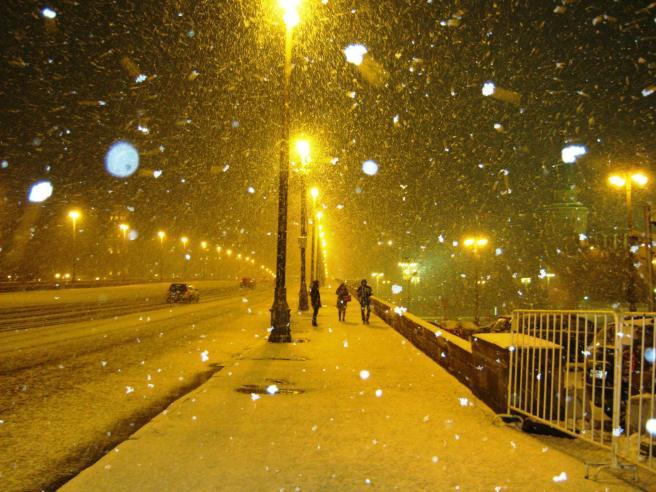 26.12.2016 Дежурство на Немцовском мемориале. Не снег, а снежище