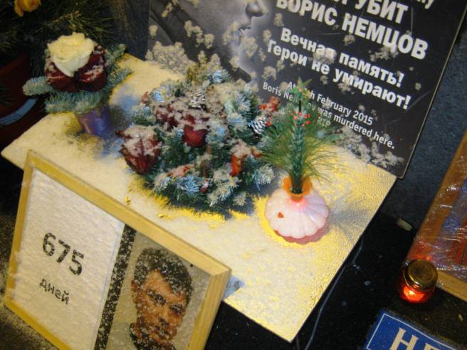 Новогодний наряд для Мемориала. Новогодние веночки и другие украшения